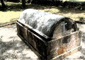 Annie_Palmer_-_Tomb_at_Rose_Hall